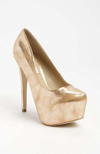 20b0a85af24 Steve Madden  Dejavu  Pump available at  Nordstrom