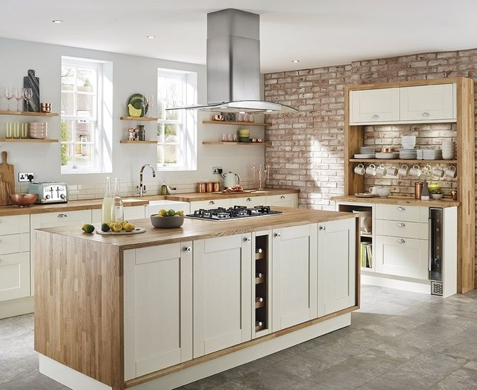 The Fairford Antique White Kitchen Has A Antique White Shaker Style Door With A Wood Grained Detail Create A Uniquely Stylish Kitchen With A Range Of