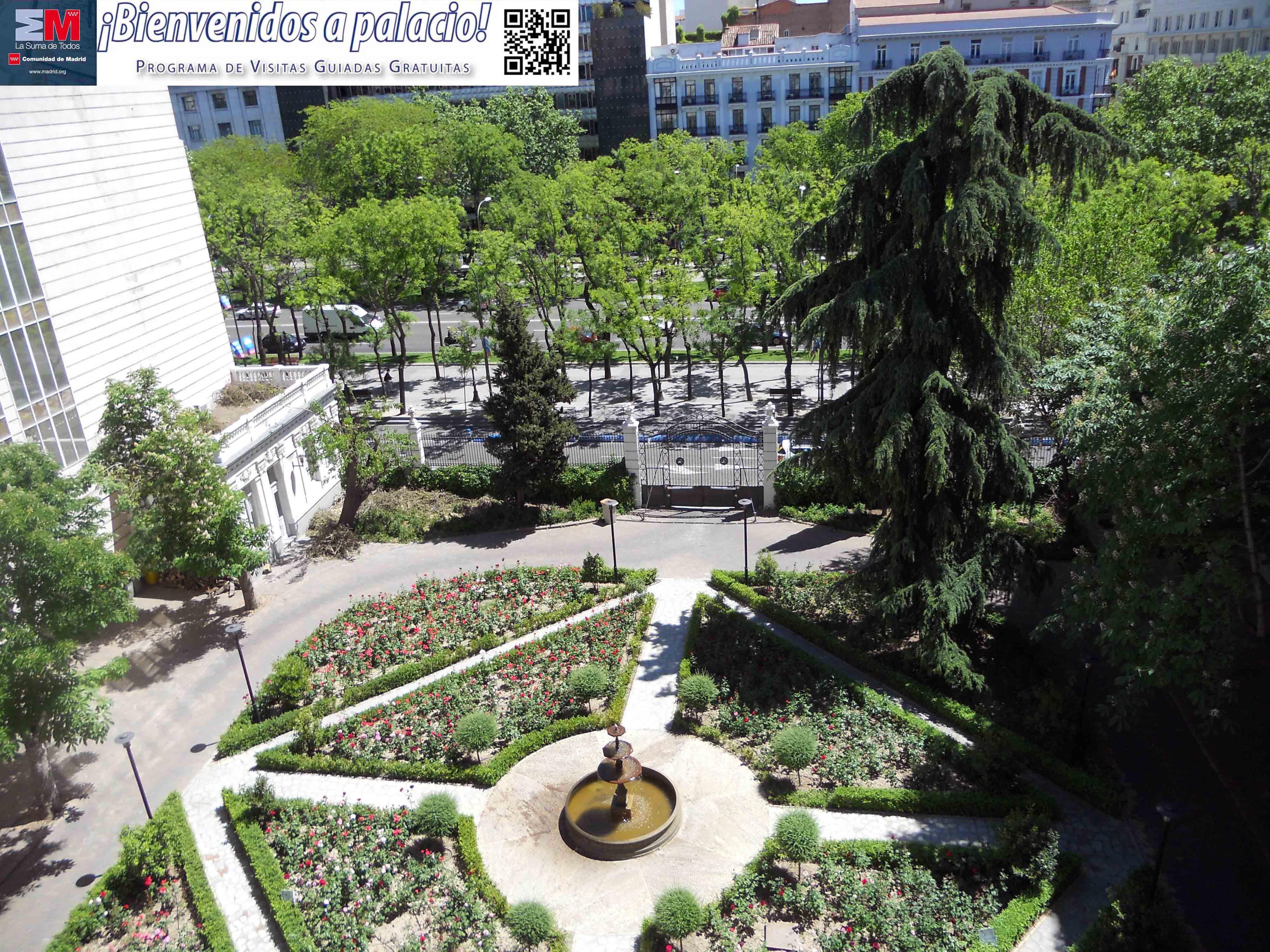 Jardines del palacio de Fontalba, sede de la Fiscalía General del Estado.
