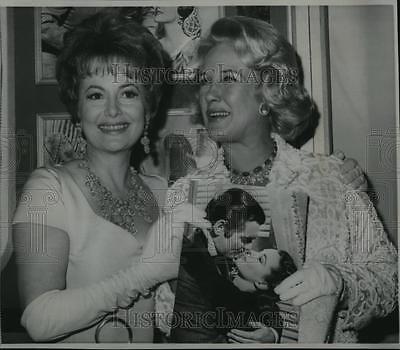 1967 Wire Photo Olivia De Havilland And Mrs. Clark Gable - Cvw00841