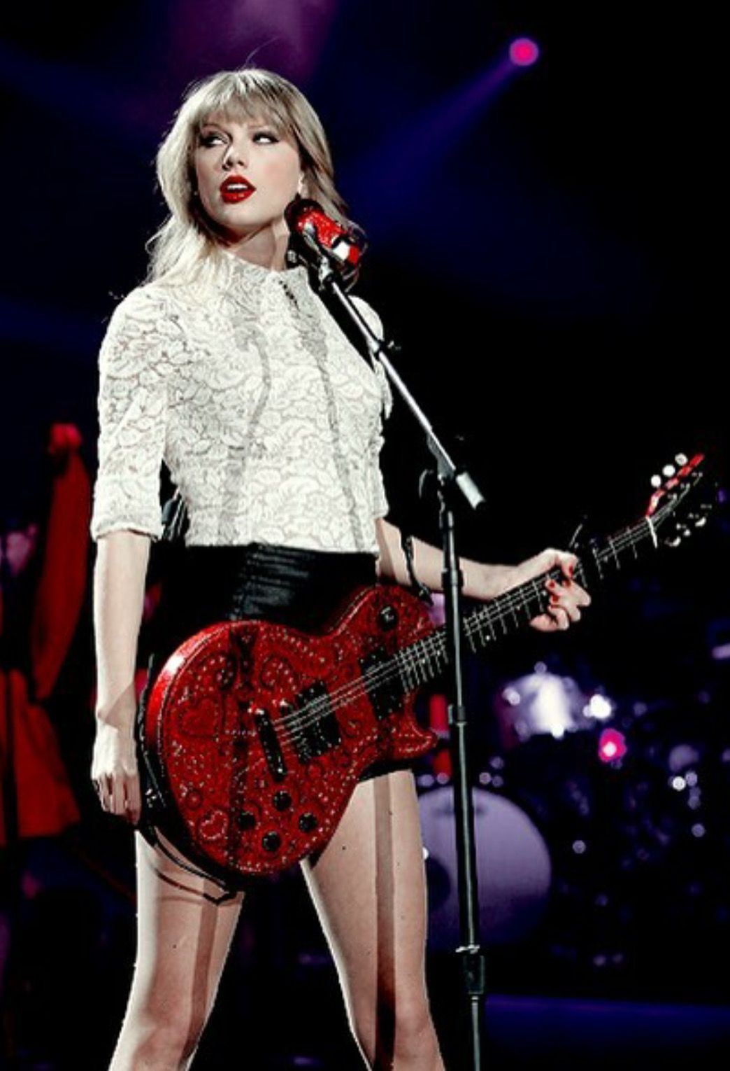 Taylor With Her Red Guitar Taylor Swift Red Taylor Swift Hot Taylor Swift Pictures