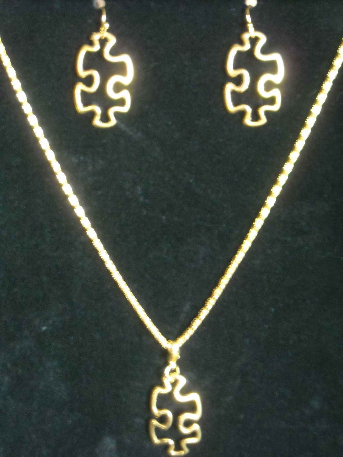 Set new autism awareness earrings u necklace set puzzle or light