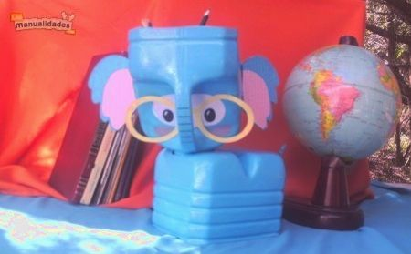 Elefante elaborado con botella de pl stico un organizador - Manualidades para adultos ...