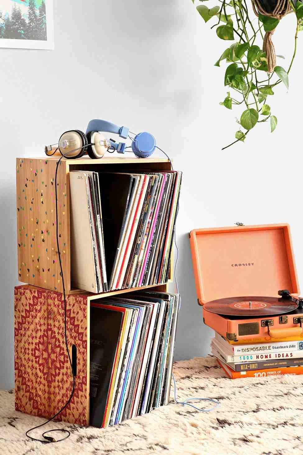 Nettoyage Armoire En Bois rangement vinyle fonctionnel et élégant en 35 idées