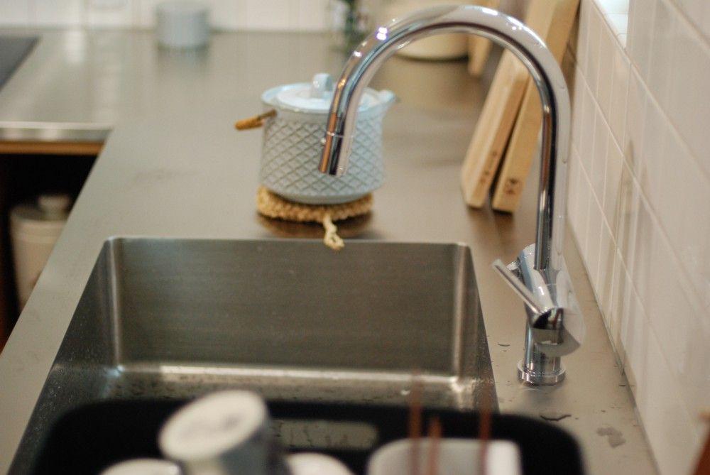 Hさんのl型キッチンのシンクの様子 選ばれた水栓はgrohe 1口で浄水