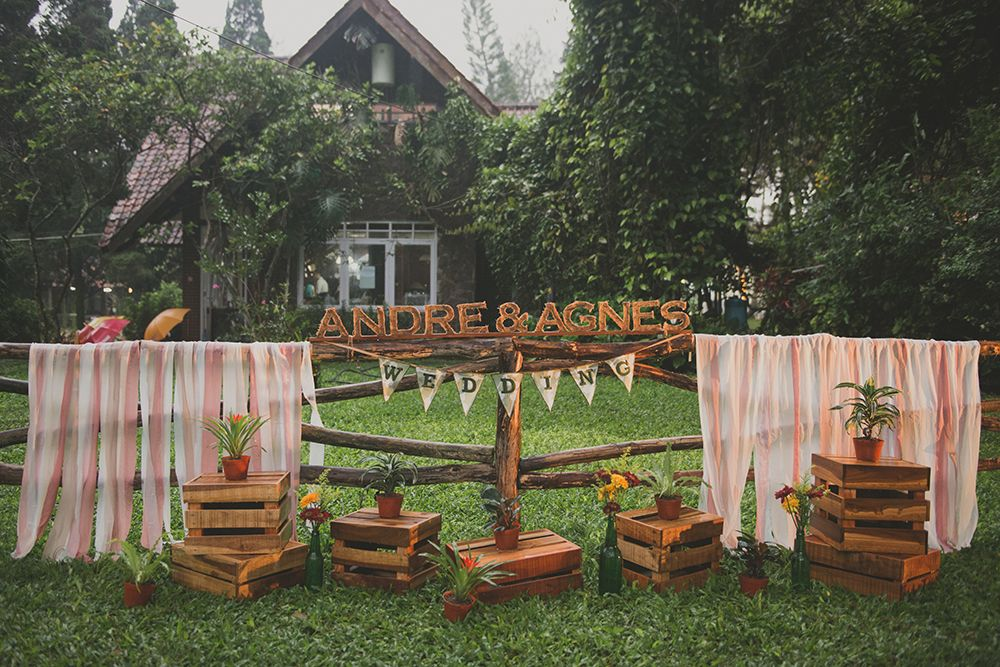 DIY rustic wedding decor Inspiring post by Bridestory
