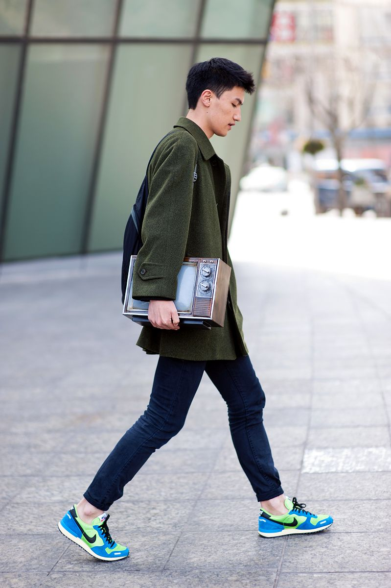 Pin by Francisco Miranda on Style | How to wear sneakers, Casual shoes  outfit, Modern man