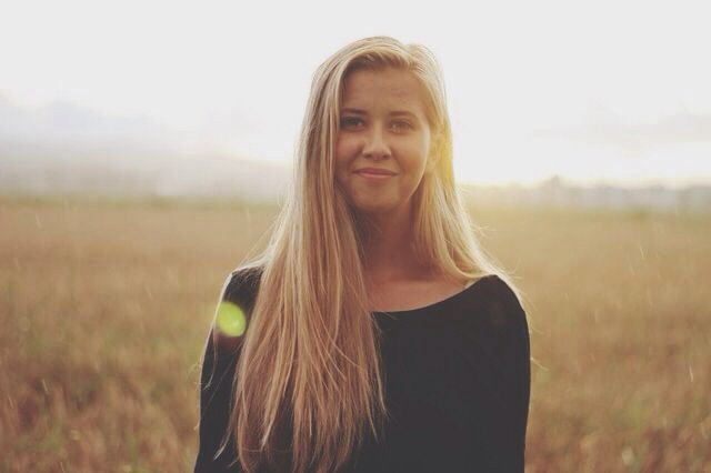 This is me and when me and my mom had a photoshoot on the field   #photoshoot #portrait #nature #field