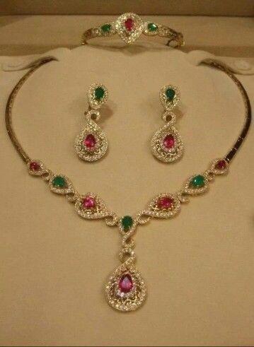 Merveilleuse parure marocaine avec pierres Rose et Vertes en