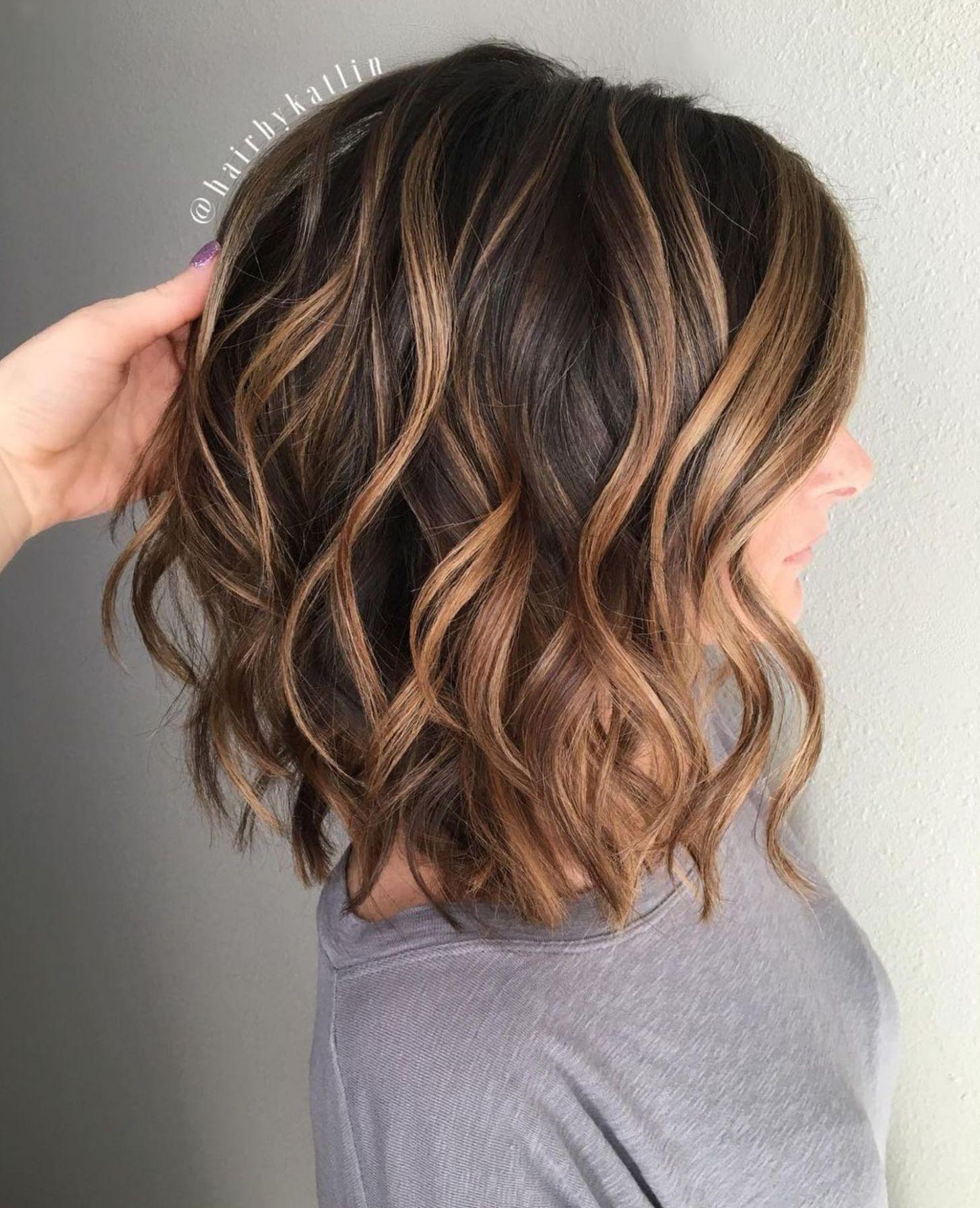 Caramel Highlights For Medium Brown Hair Medium Hair Styles Hair Styles Short Hair Styles