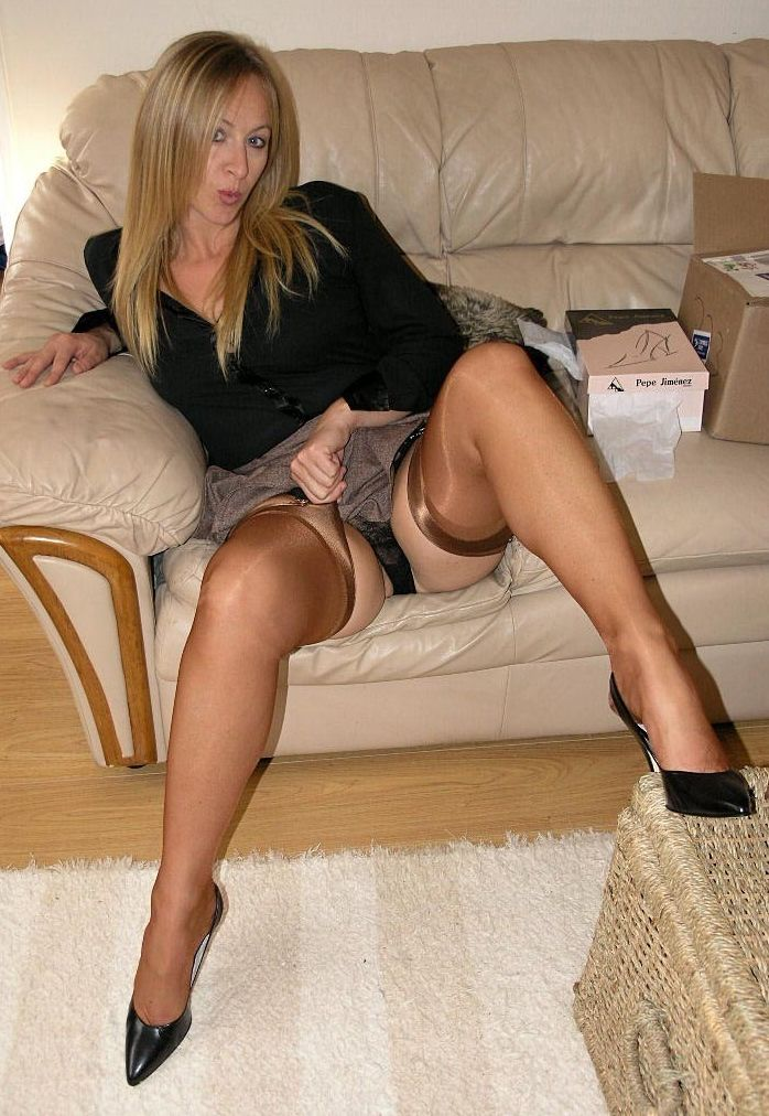 British wife joanne iphone telling chris to wank - 3 part 2