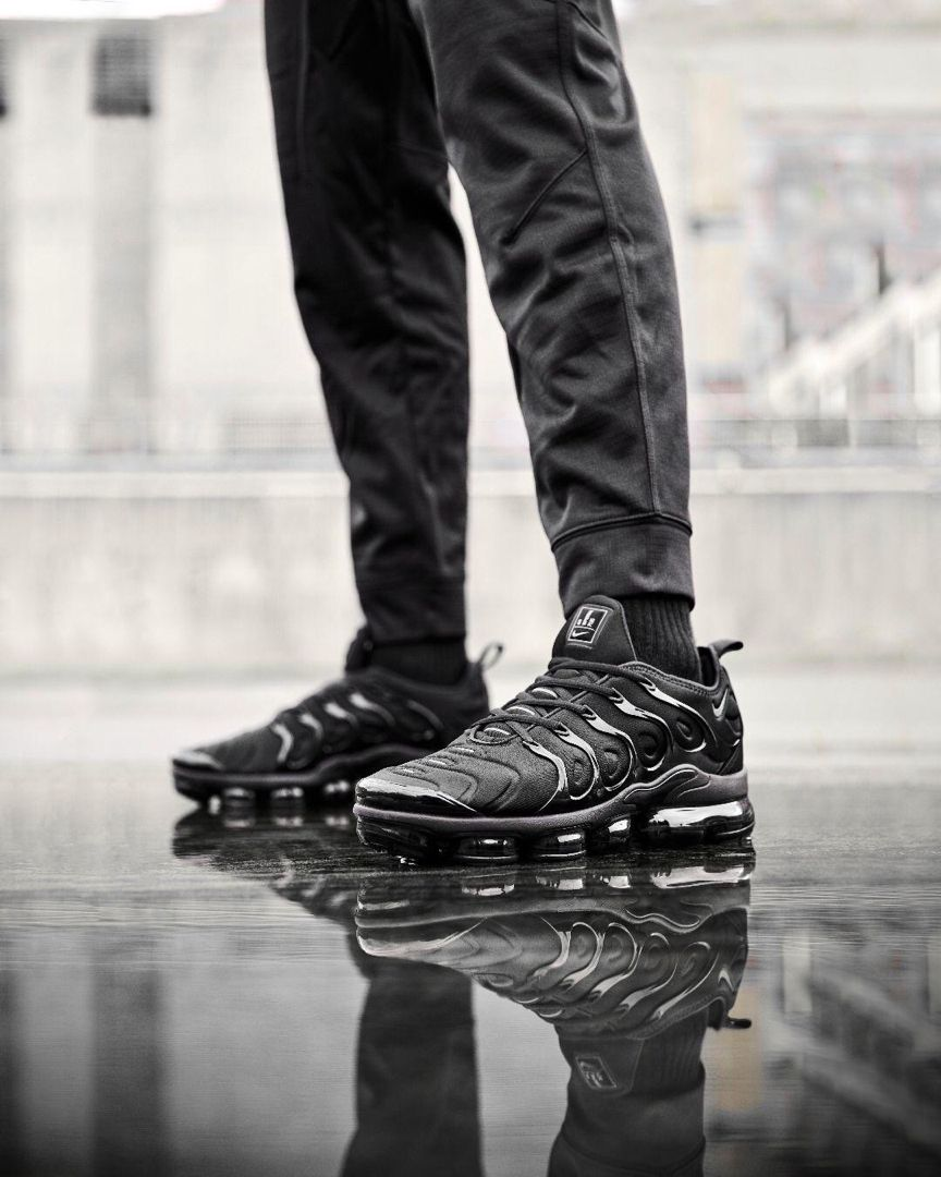 Nike Air Vapormax Plus | Chaussure sport, Style homme, Chaussure