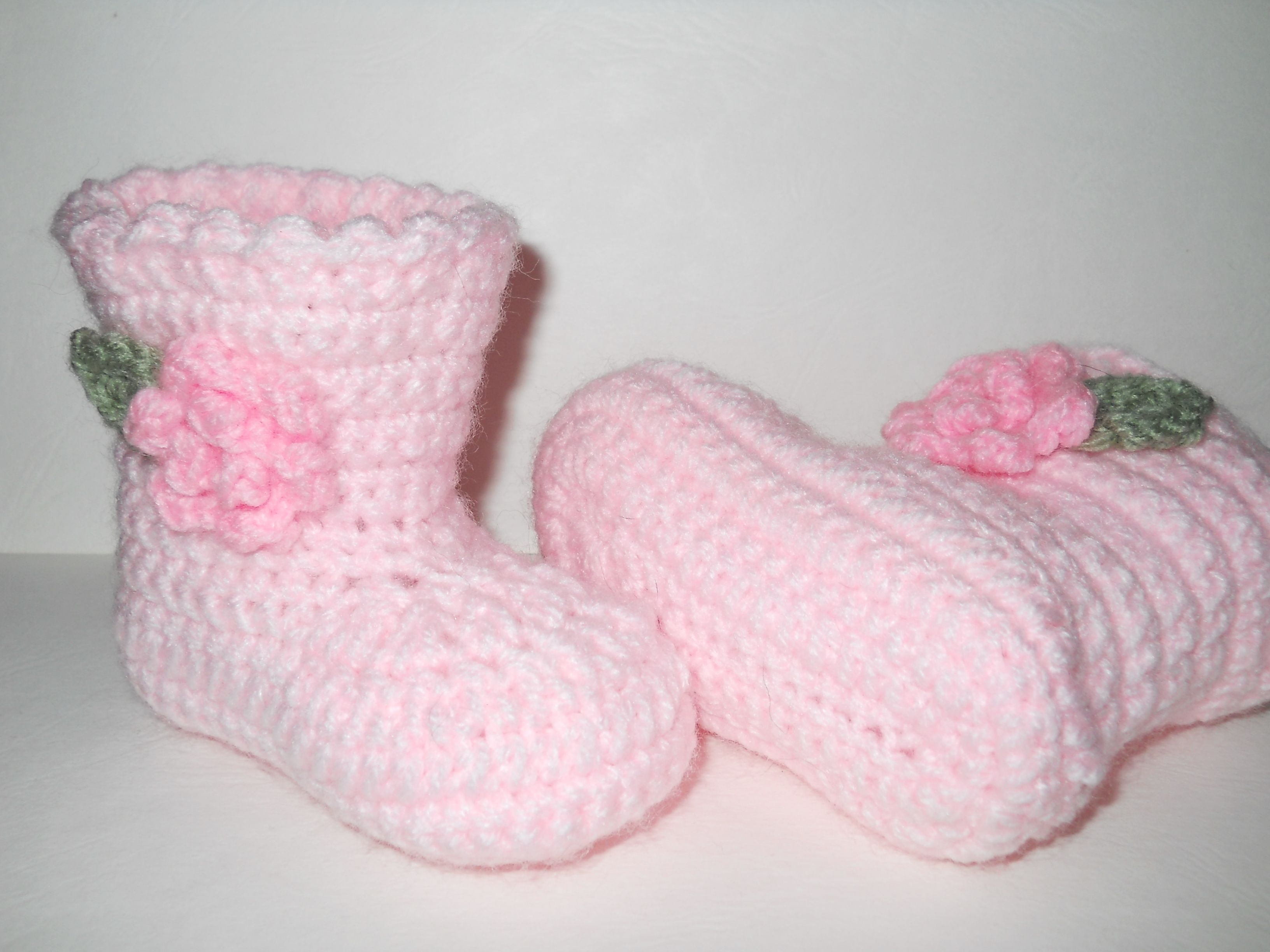 Sugar 'n' Spice boots pattern by Elizabeth Alan The Lovely Crow. Gorgeous girls crochet boots made by me