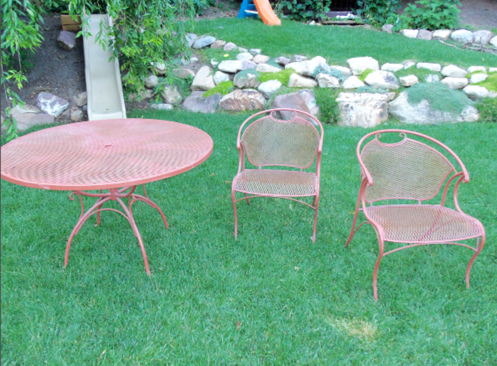 Spray Painting Wrought Iron Furniture in 2020   Wrought ...