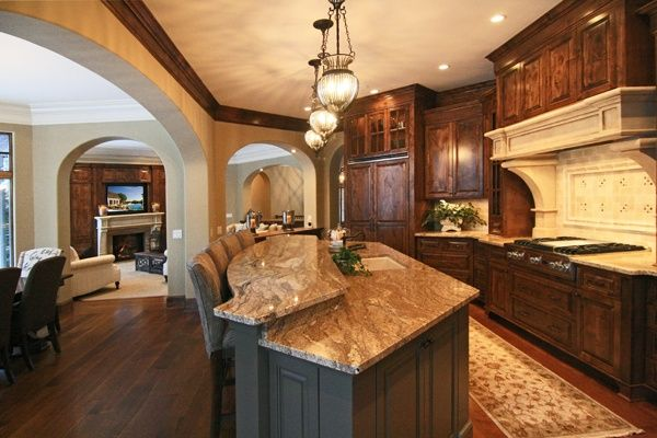 2 Tiered Kitchen Island Love The Two Tier Island Tuscan Design Home Mediterranean Home Decor