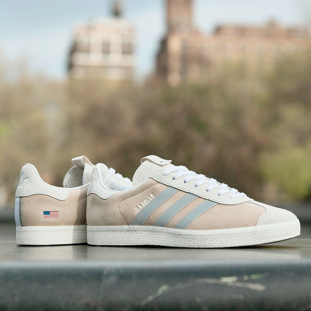 sarcoma chico Represalias  insidesneakers • Adidas Consortium Sneaker Exchange Alife x Starcow Gazelle  Chalk White • CM7999 | Dress shoes womens, Running shoes for men, Best  sneakers