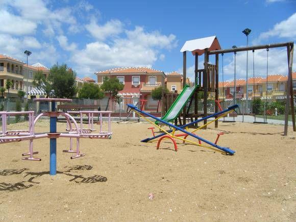 Pin En Casas Con Columpios Zona Infantil En Fotoalquiler