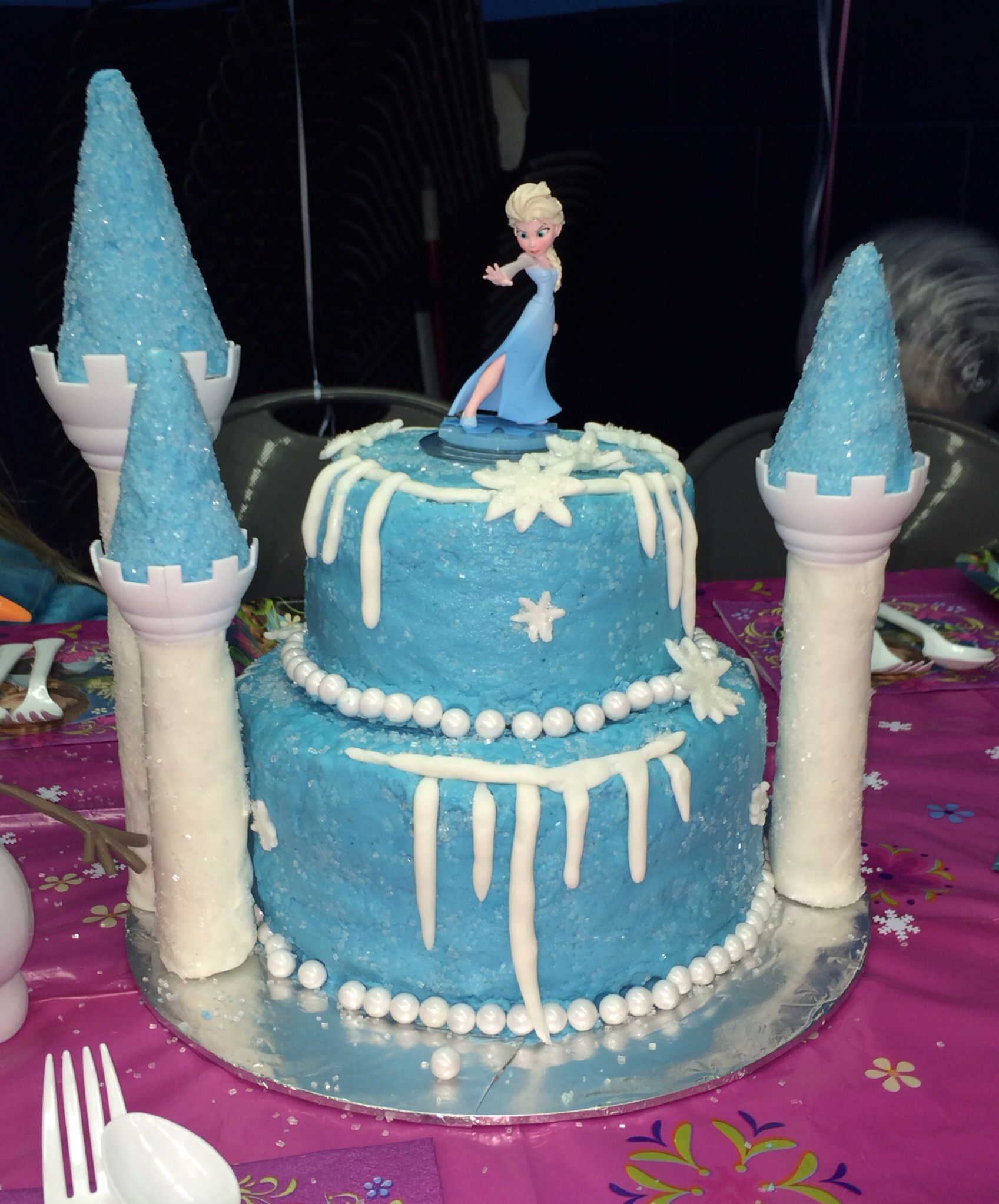Elsa cake Frozen birthday party Birthday ideas Pinterest