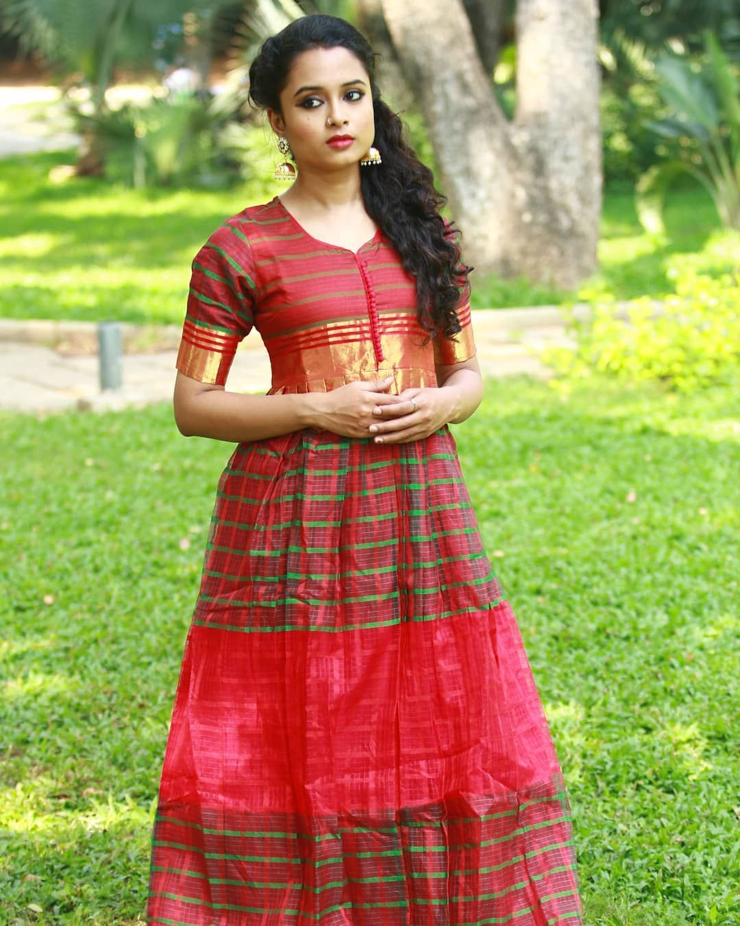 0476c302e0 Try These Traditional Maxi Dresses on Next Festival | Indian Maxi ...