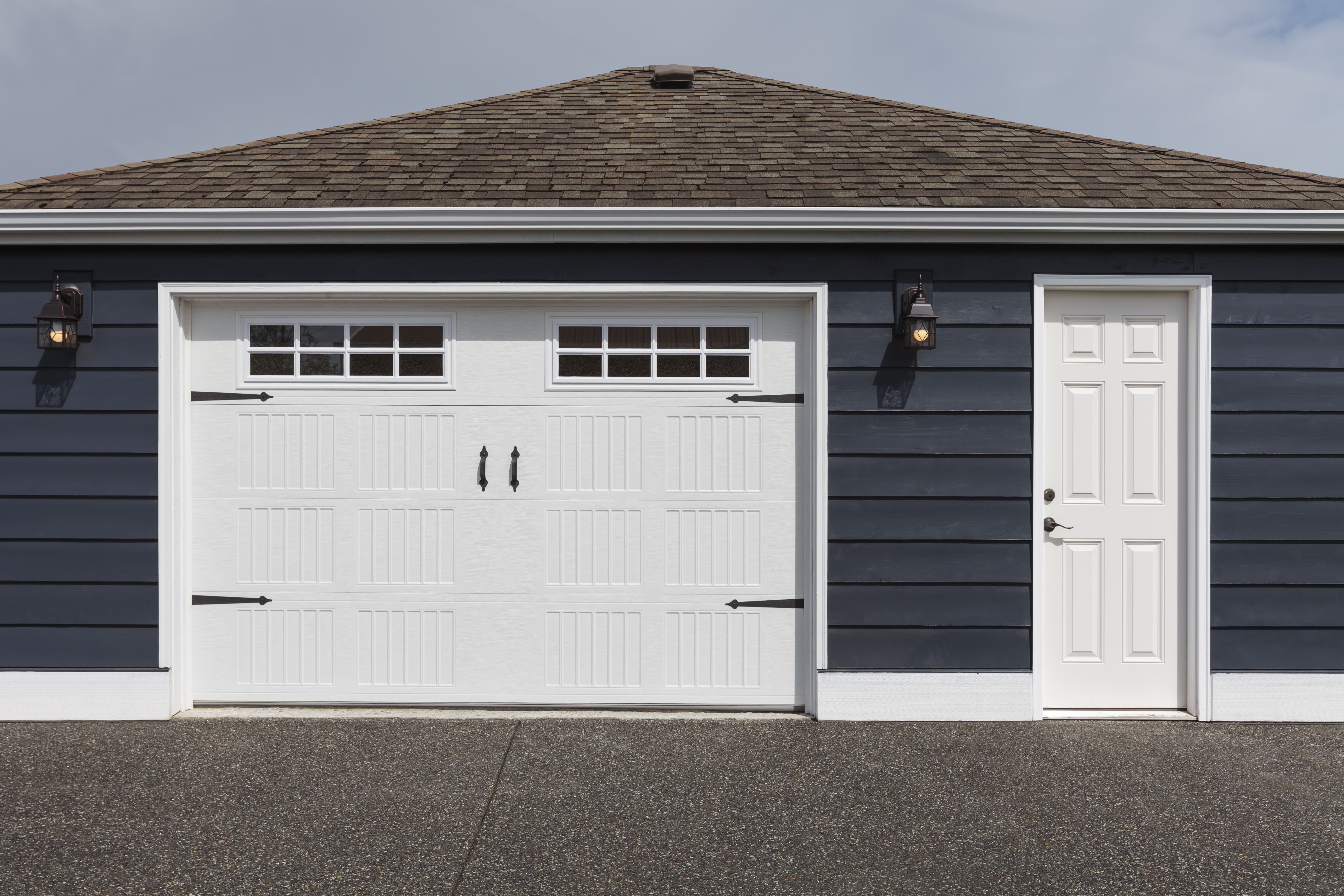 The 9 Best Garage Door Openers Of 2020 Garage Door Styles Garage Door Opener Installation Garage Door Design