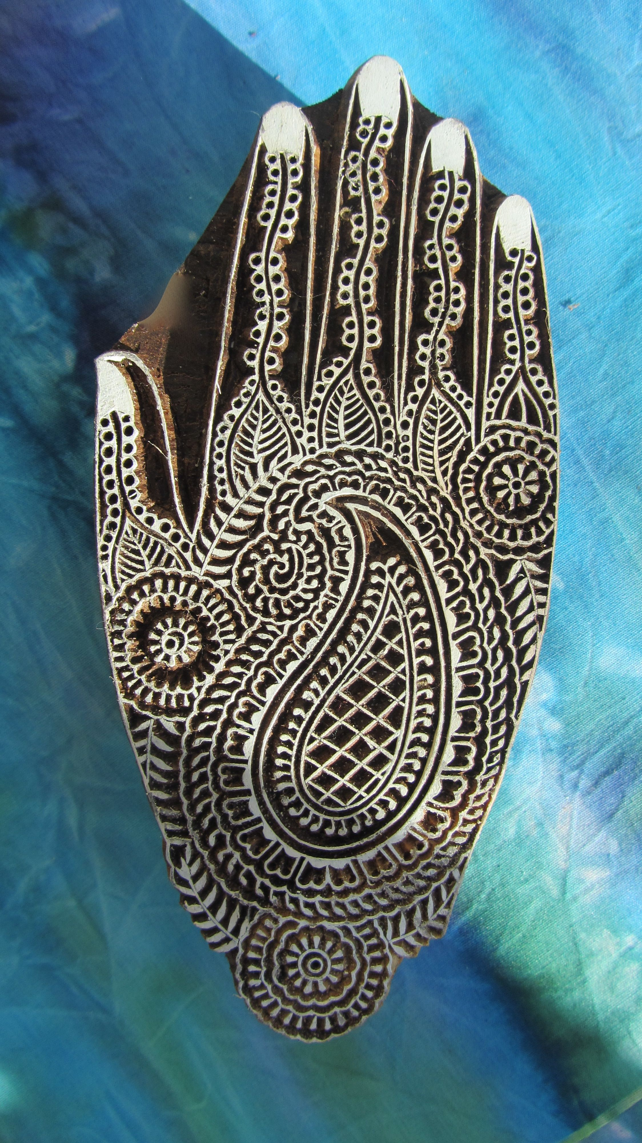 Google Image Result for http://www.theindianblockcompany.com/sites/default/files/MD04_mendhi_paisley_wooden_printing%2520block.jpg