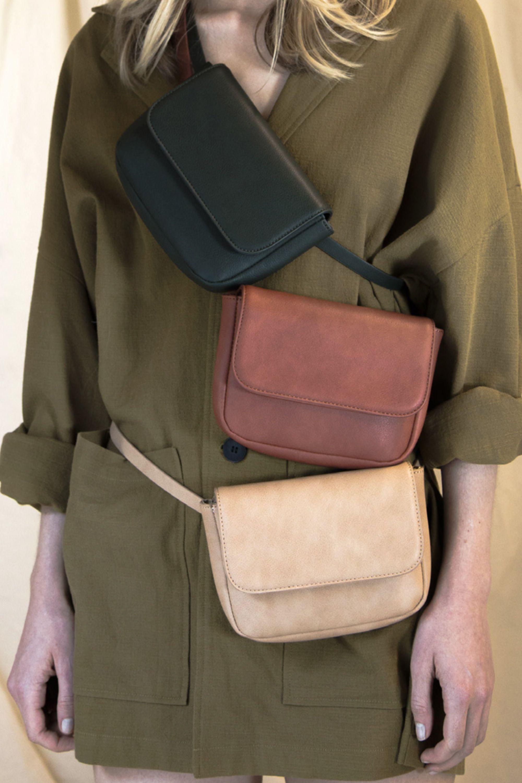 37f0f9804ab9 Super duper cool fanny pack/messenger style sleek purse Waist Bag ...