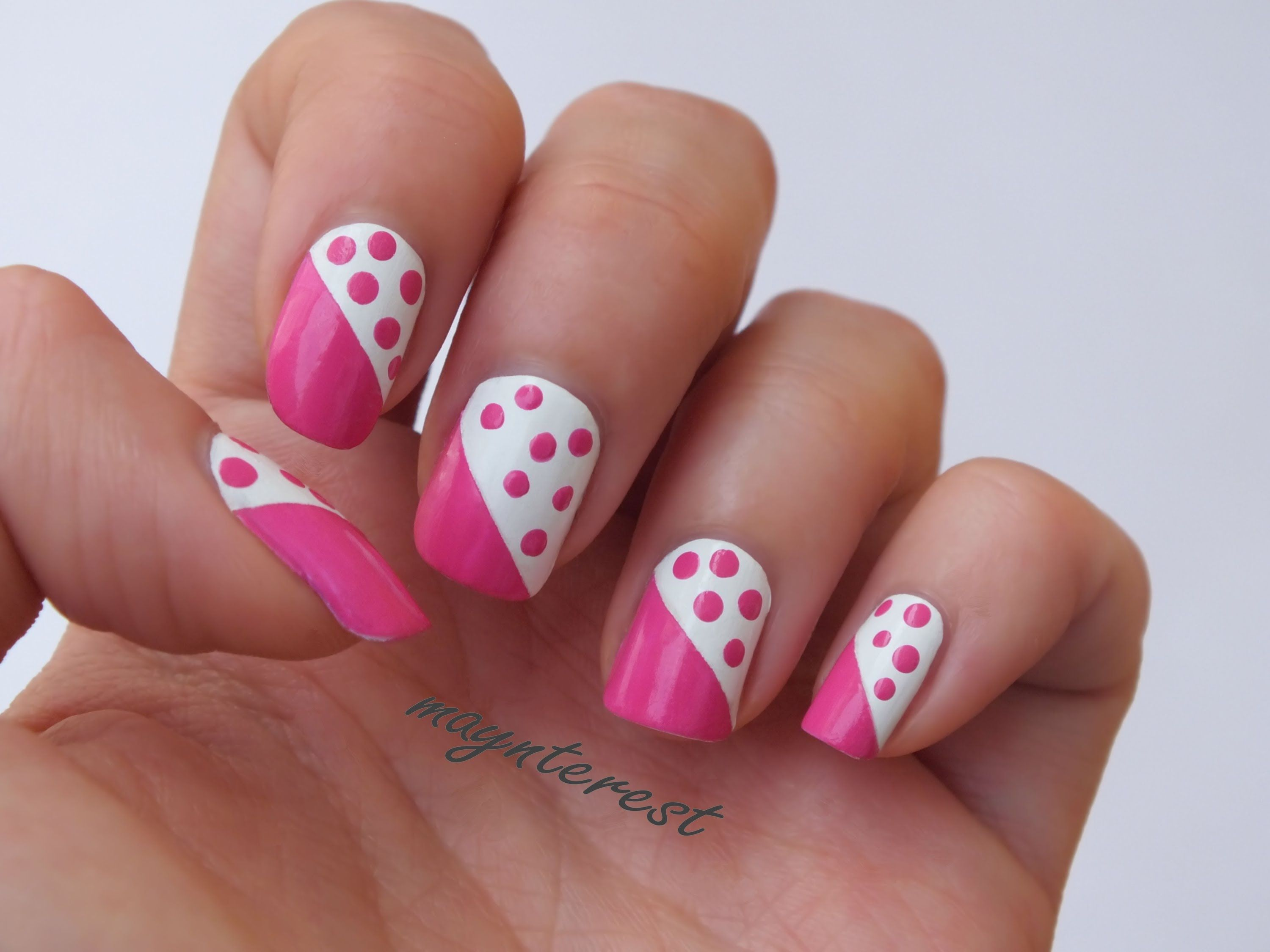 Dise o de u as con puntos dots nail art u as for Decoracion de unas facil en casa