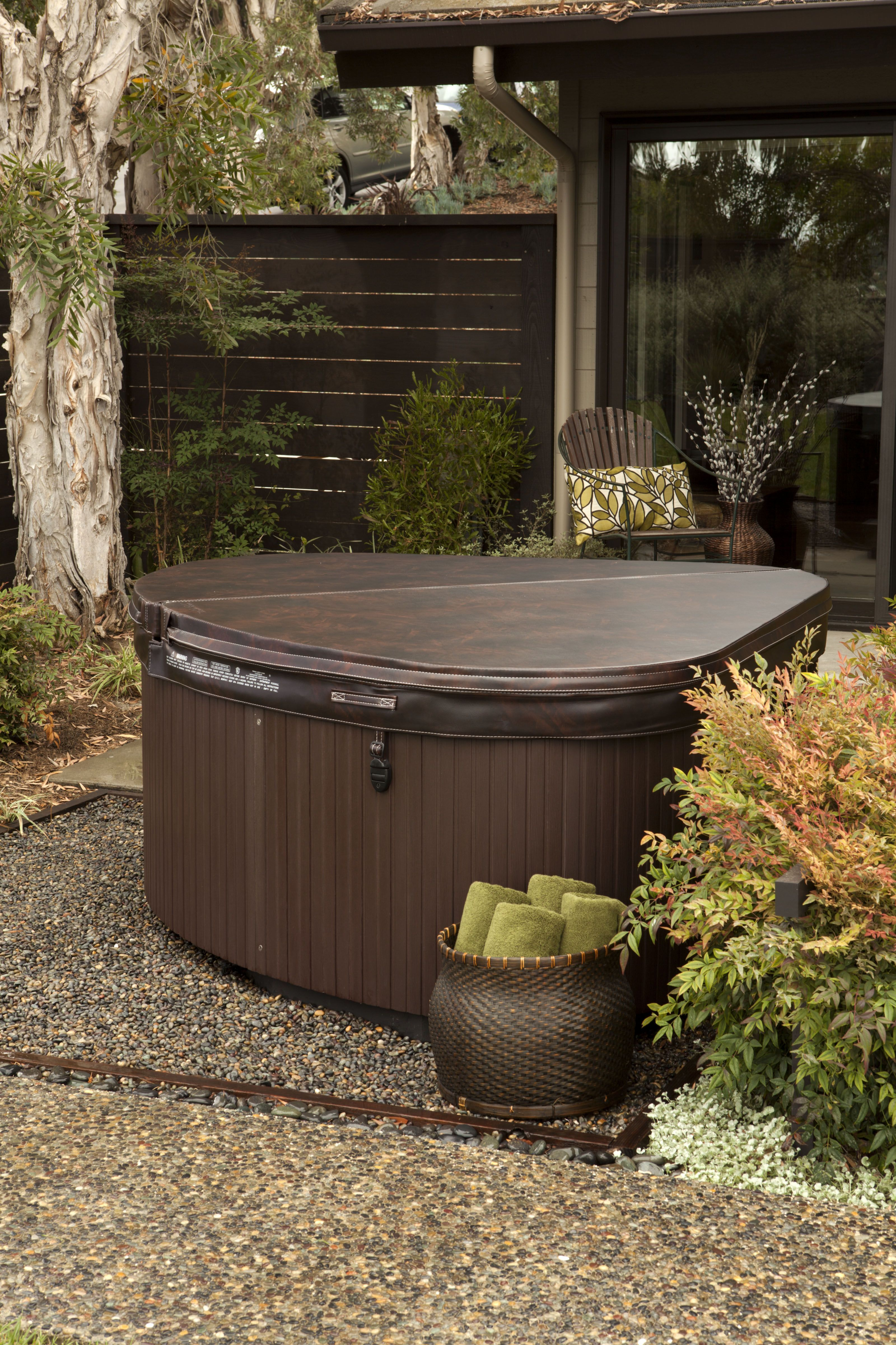 Change The Way You Relax With The Help Of An Outdoor Jacuzzi Decor Around The World Hot Tub Garden Hot Tub Backyard Backyard Design
