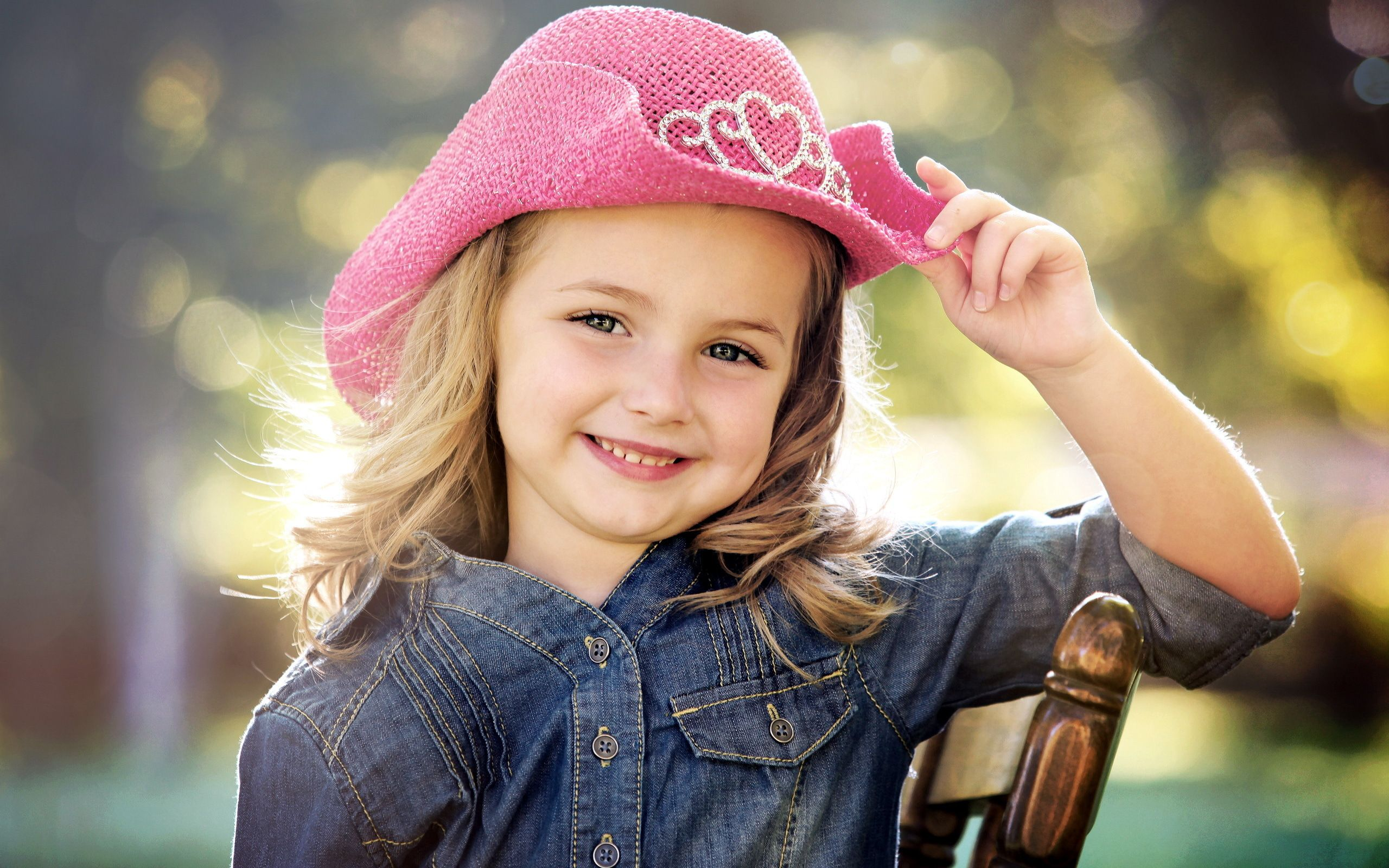 images for > smiling girls with flowers | smiling children