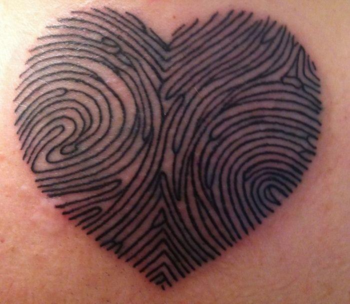 fingerabdruck der s liebsten in herzform tattoos. Black Bedroom Furniture Sets. Home Design Ideas