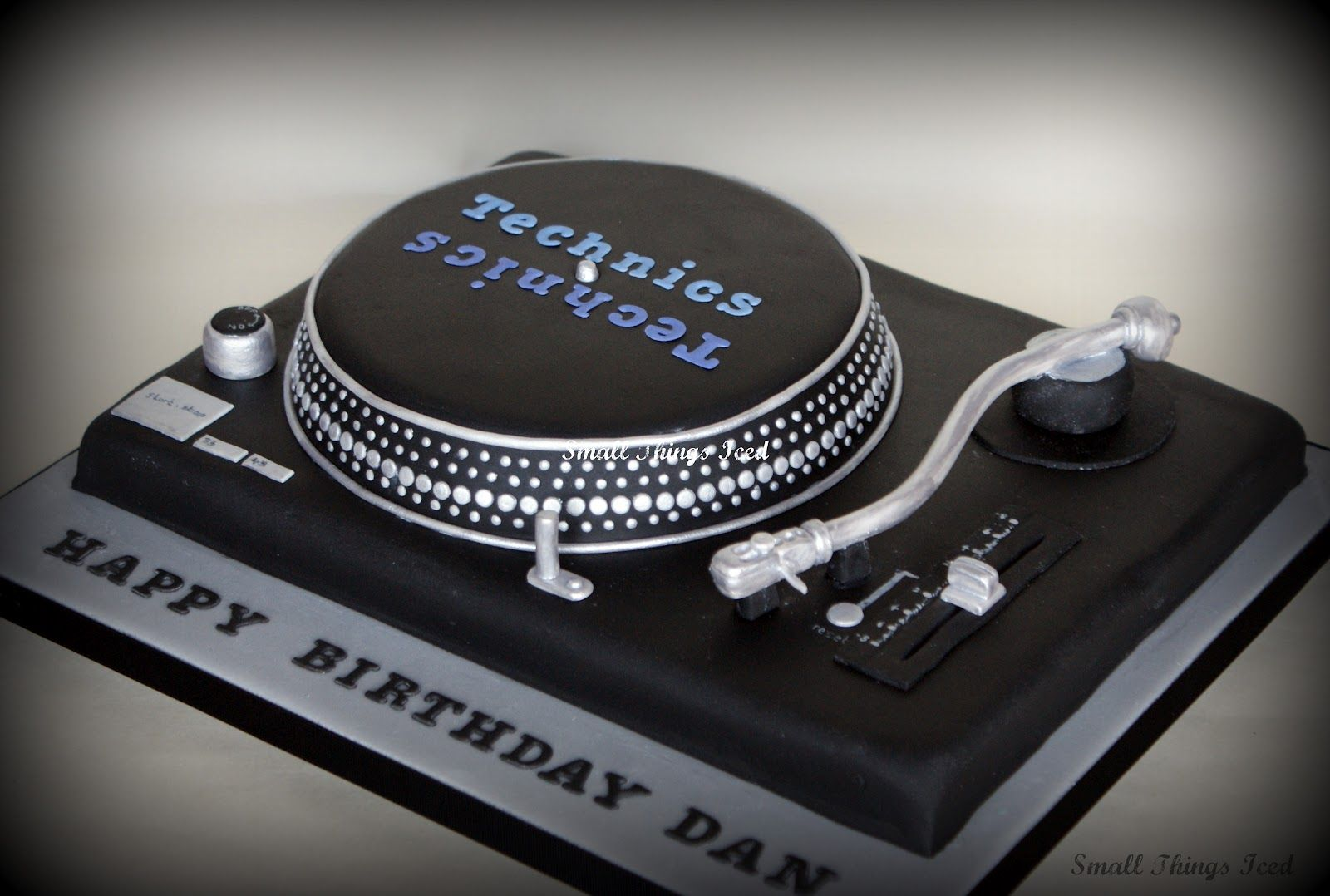 Marvelous Record Player Birthday Cakes Technics Turntable Cake With Birthday Cards Printable Benkemecafe Filternl