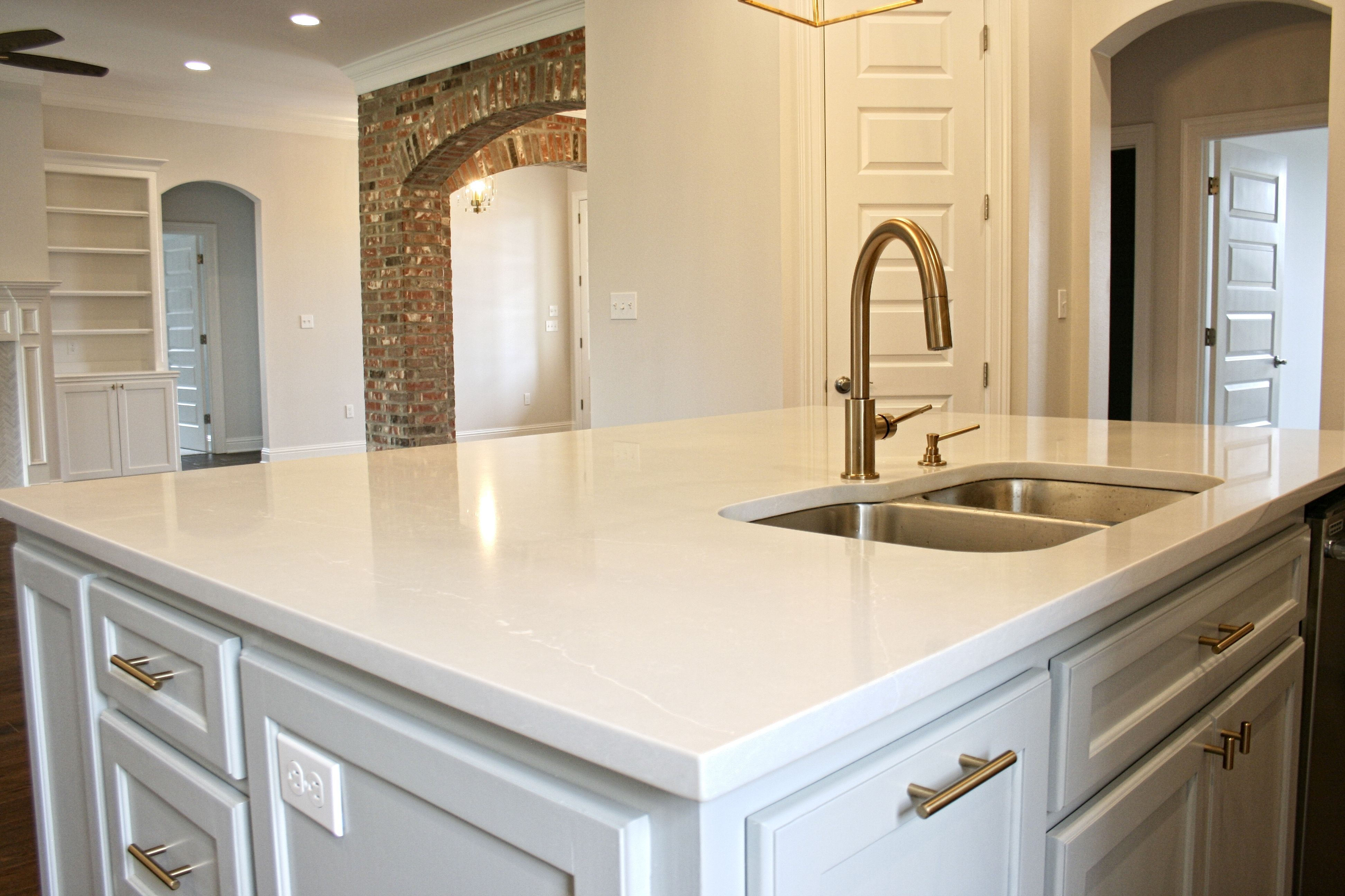 If You Re Wanting A Marble Countertop Without All The Headache Then Check Out Quartz Advanced Technology Creates In 2020 With Images Countertops Marble Countertops Kitchen Design