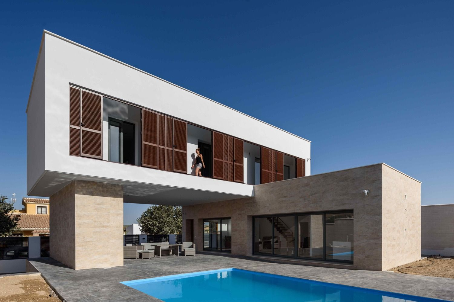 Gallery of L House / g2t Arquitectos 15 Casas