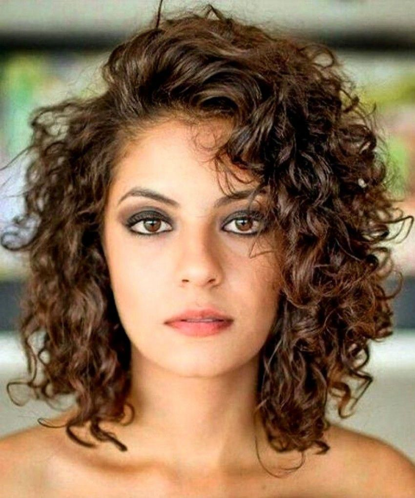 20 Glamorous Mid Length Curly Hairstyles For Women Haircuts Hairstyles 2019 Curlybo Medium Curly Hair Styles Shoulder Length Curly Hair Medium Hair Styles