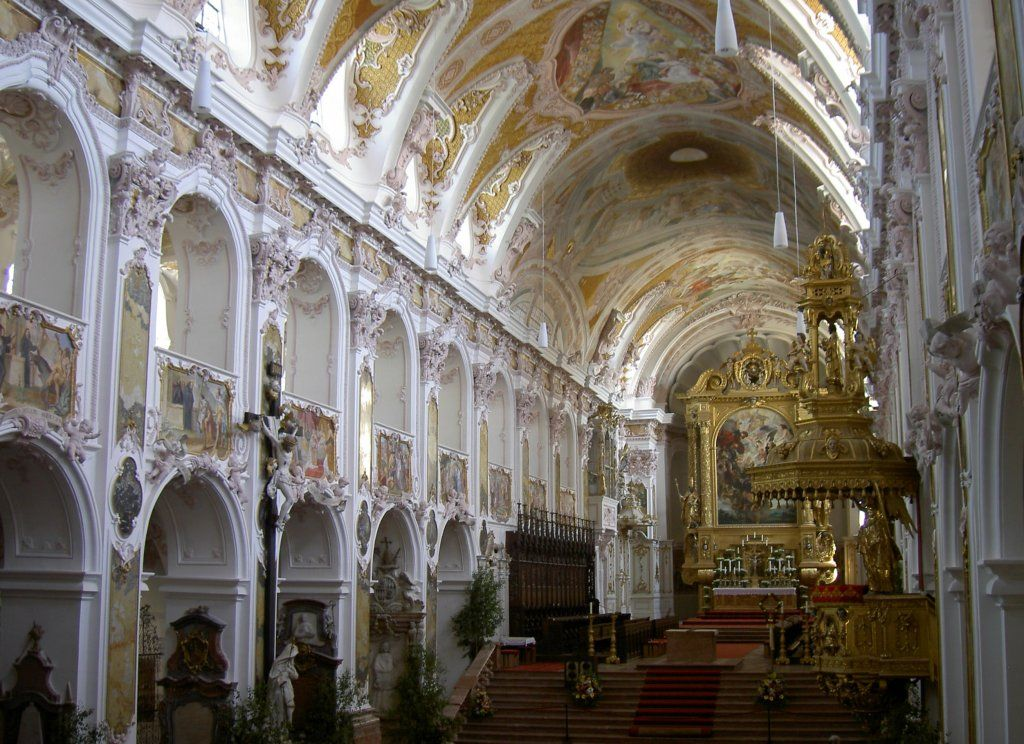 Baroque architecture germany interior of freising for Baroque rococo architecture