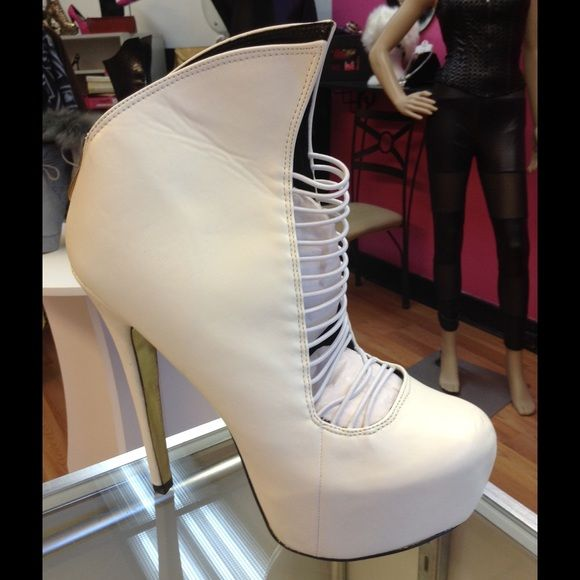 Pointy Bootie See photo Shoes Ankle Boots & Booties