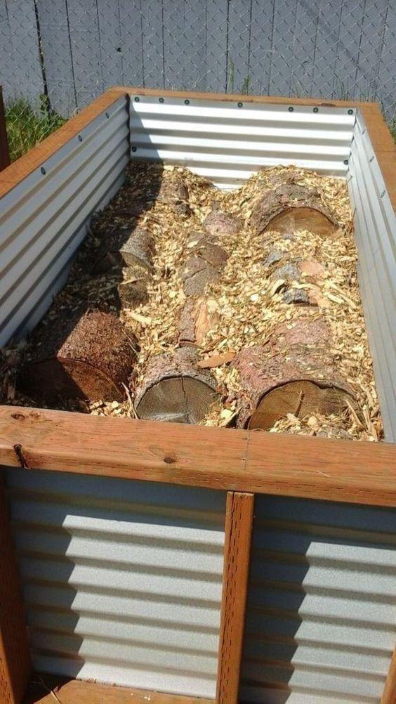 No Irrigation Raised Bed Gardening System (Hugelkultur