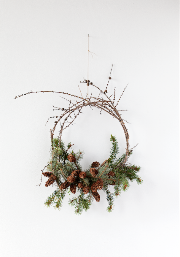 Photo of Wreaths – behind the scenes – The Marion House Book