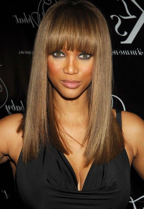 Tyra Banks Long Hairstyle Straight Hairstyle With Blunt Bangs For Black Women One Length Haircuts Long Hair Styles Long Face Hairstyles