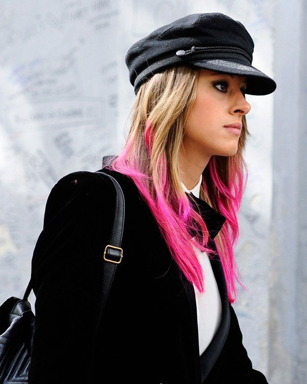 Pinke Haare und generell Haarfarben Trends in allen Nuancen des Regenbogens bleiben uns erhalten - und man sieht sie wie an dieser…