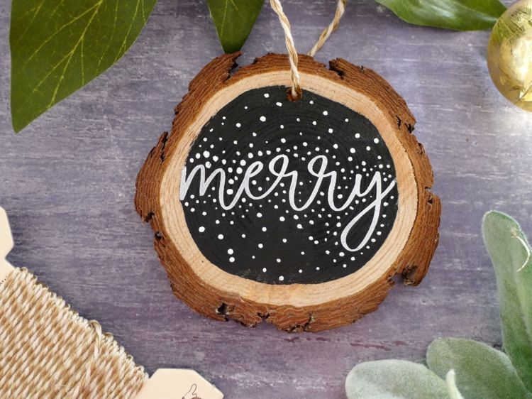 weihnachtlich dekorieren baumscheiben tafelfarbe botschaft. Black Bedroom Furniture Sets. Home Design Ideas