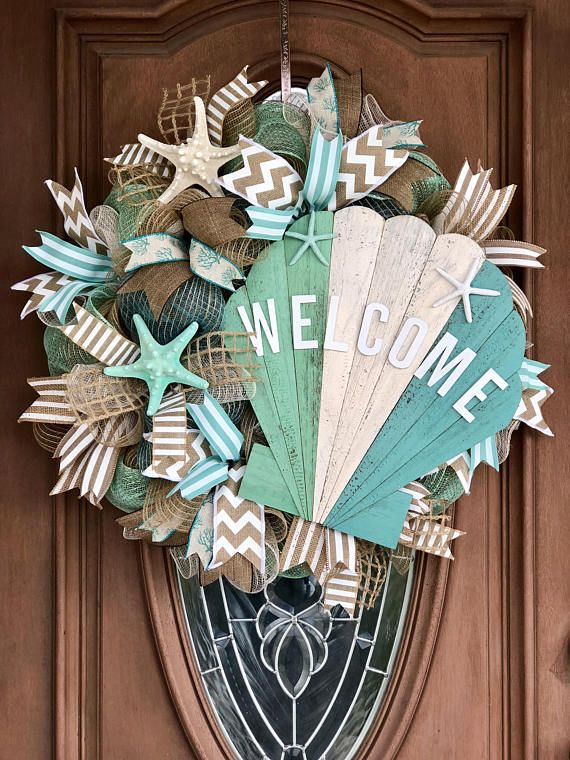 pin coastal berry cottage wreath door wreaths spring l home com seaside doors blue carolinadesigns pinterest beach christmas white