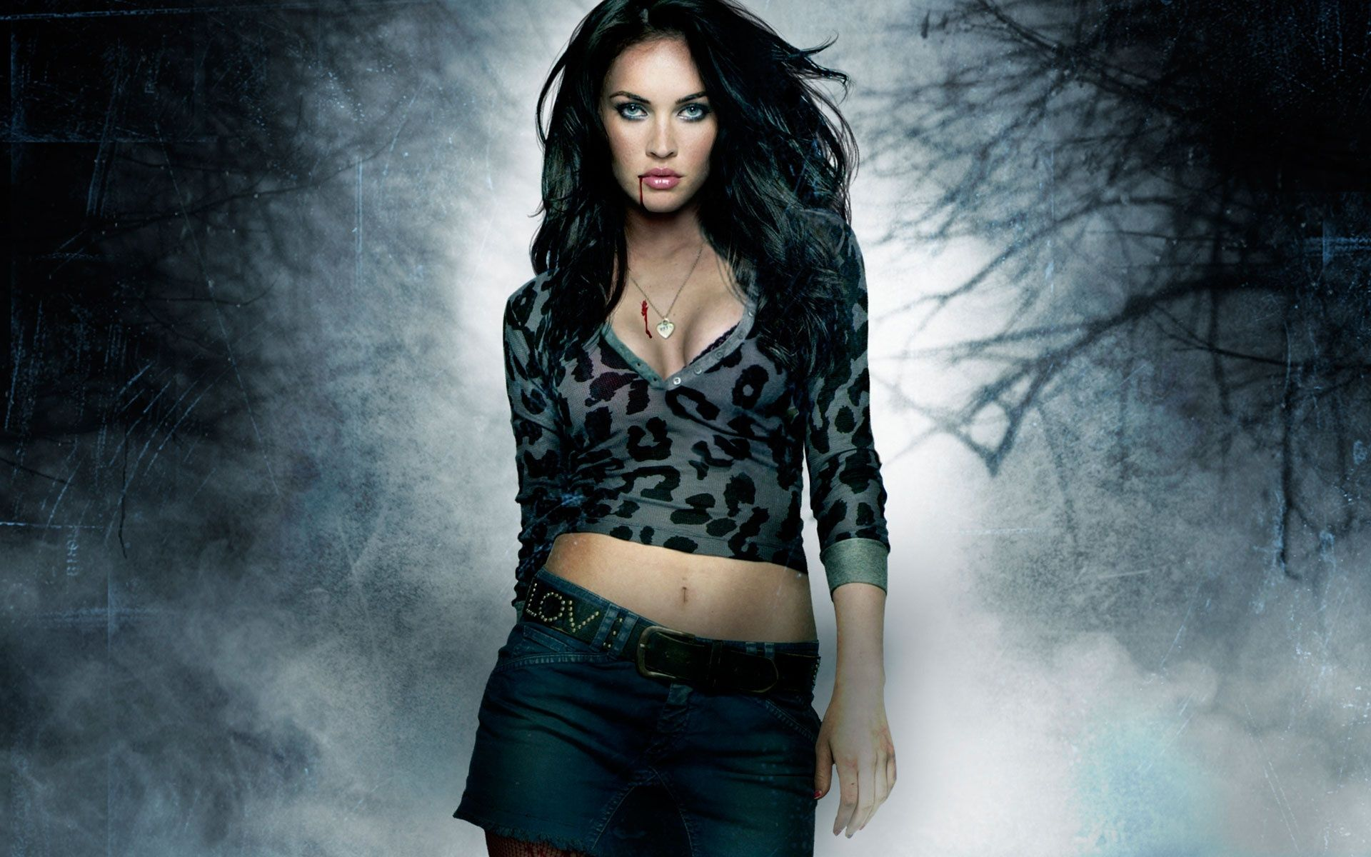Megan Fox Lesbian Kiss Hot Girls Wallpaper