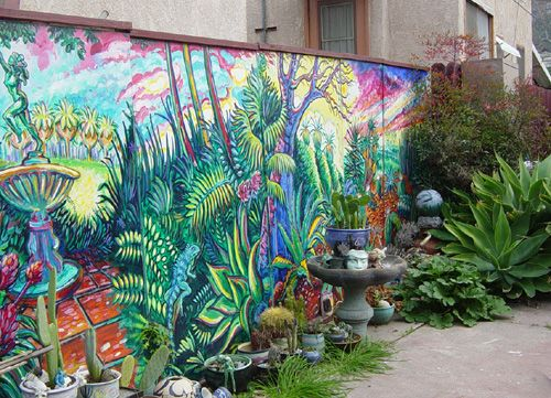 Mural on a fence good fences good neighbors for Jardines murales