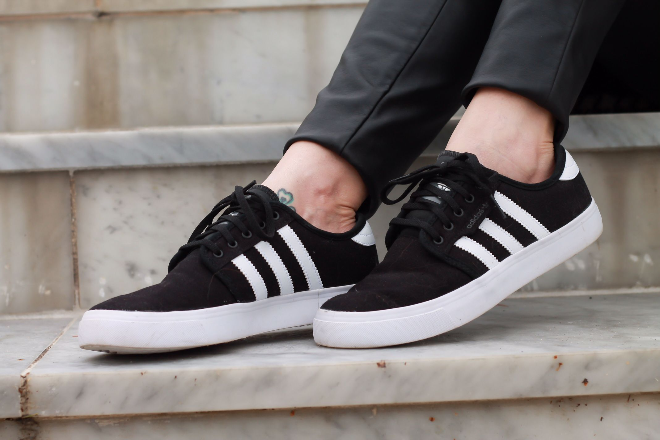 Authentic New Adidas Gazelle 2 146795 SPY Black R.White Free
