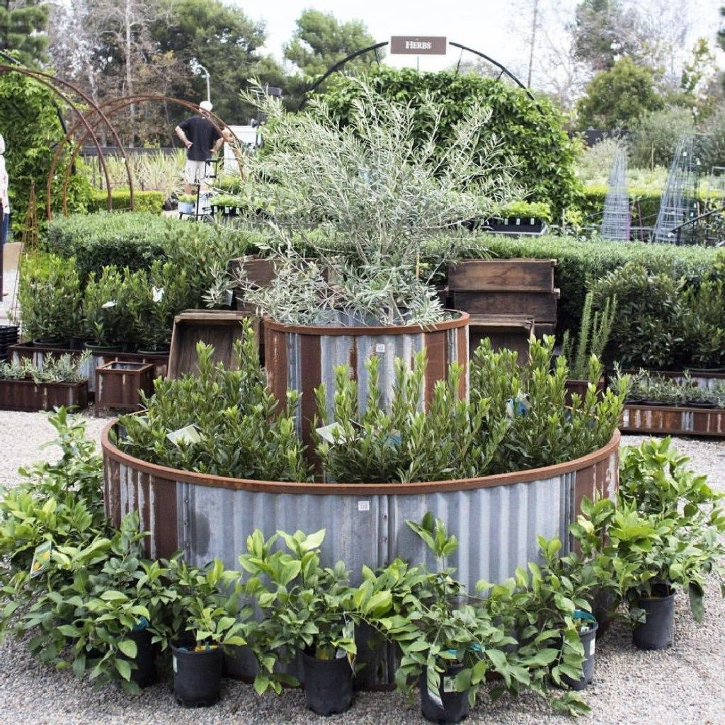 Amazing Beautiful Round Raised Garden Bed Ideas 29 Raised Garden Vegetable Garden Raised Beds Diy Garden