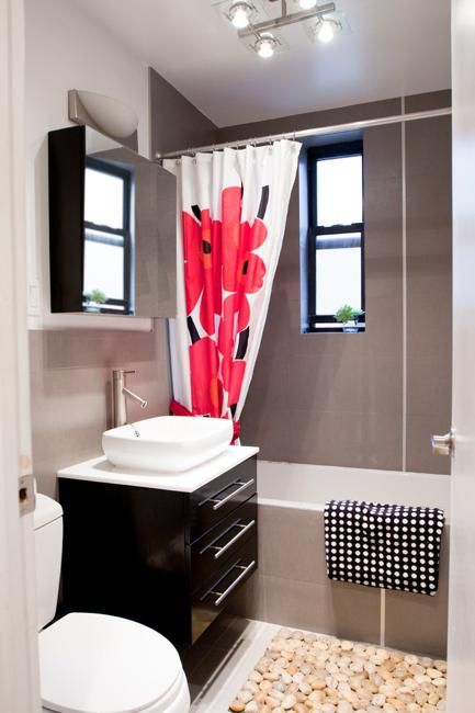 Small Bathroom Remodeling Ideas Adding Color to Modern Bathroom
