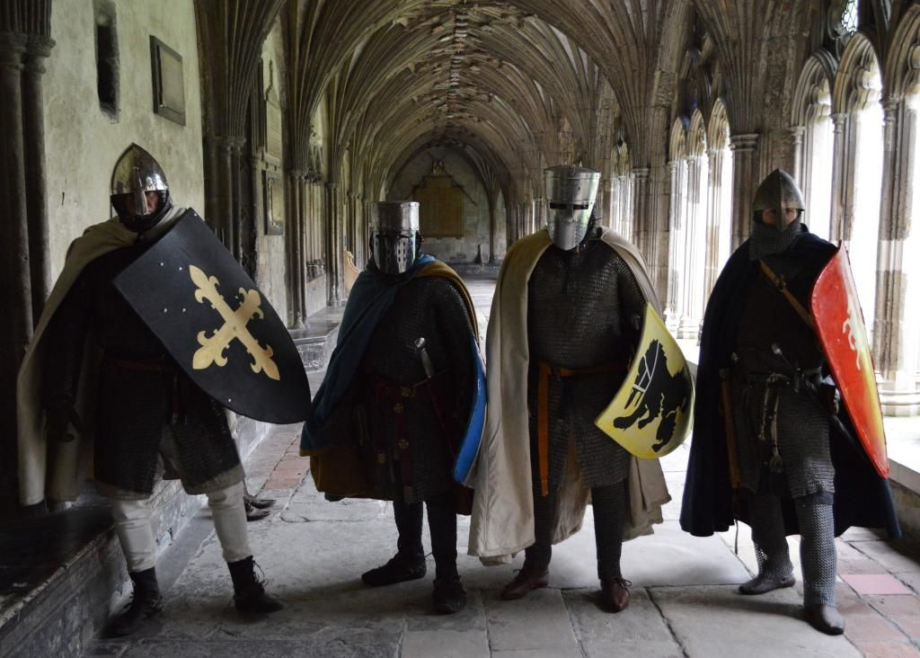 Canterbury Cathedral @No1Cathedral  Nov 5 Just your average visitor to the Cloister