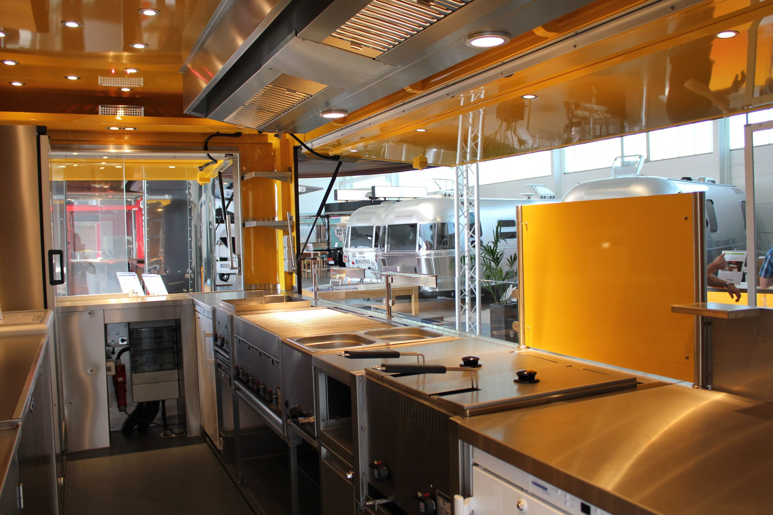 interieur food truck Roka   Food trucks, Remorque
