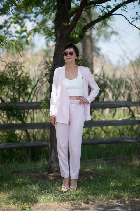 Maggie Gyllenhaal. ELLE.com photographer Tyler Joe captures the chicest street style moments from Veuve Cliquot Polo Classic in New York City's Liberty Island, where Hollywood's finest gathered to kick off summer.